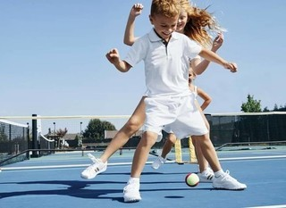 Mobile kids tennis