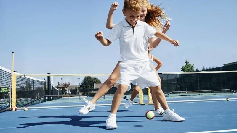 Normal kids tennis